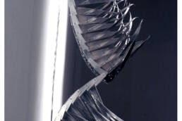 escultura articulada en aluminio y acero