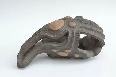 embrión siete, Escultura de la serie embriones hecha en cerámica de gres